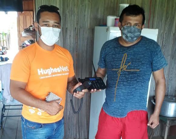 Prefeitura de Parintins avança na entrega e instalação de telefones rurais