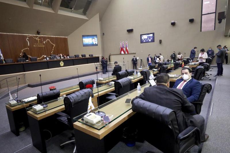 Emendas impositivas e crise no Amapá foram temas de debate nesta quinta-feira, na Assembleia Legislativa
