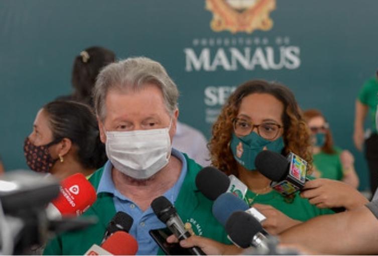 Manaus tem 50  sepultamento em um único dia e prefeito Arthur  demonstra preocupação