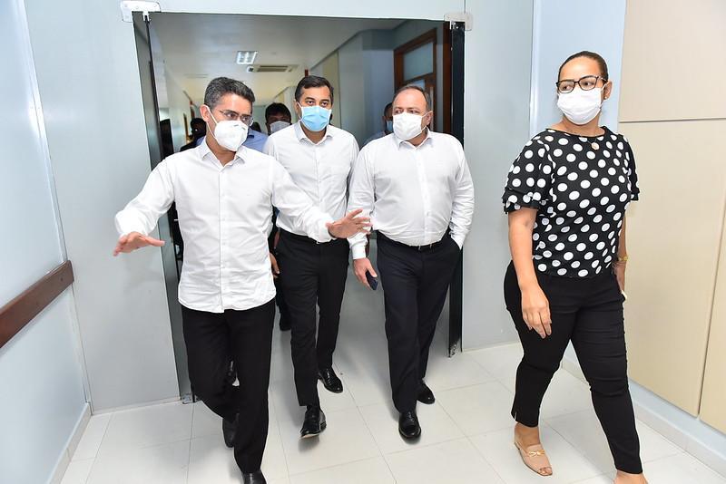 Prefeito David, ministro Pazuello e governador Wilson visitam UBS exclusiva para tratamento de Covid-19