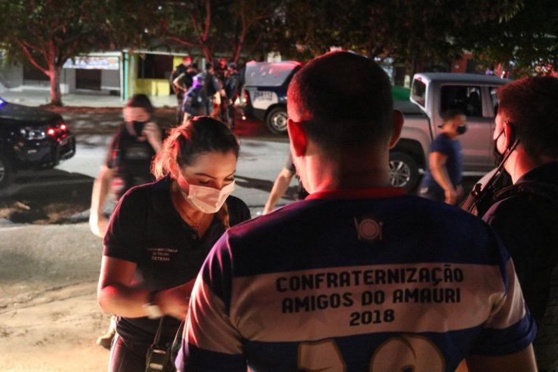 """Em Manaus, """"Operação pela Vida"""" teve 17 detidos e cinco veículos apreendidos"""
