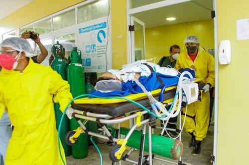 Seis parintinenses em estado grave são transferidos para leitos de UTI de Belém do Pará