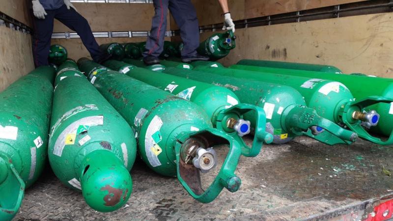 Forças de segurança apreendem 44 cilindros de oxigênio em armazém clandestino no Novo Israel