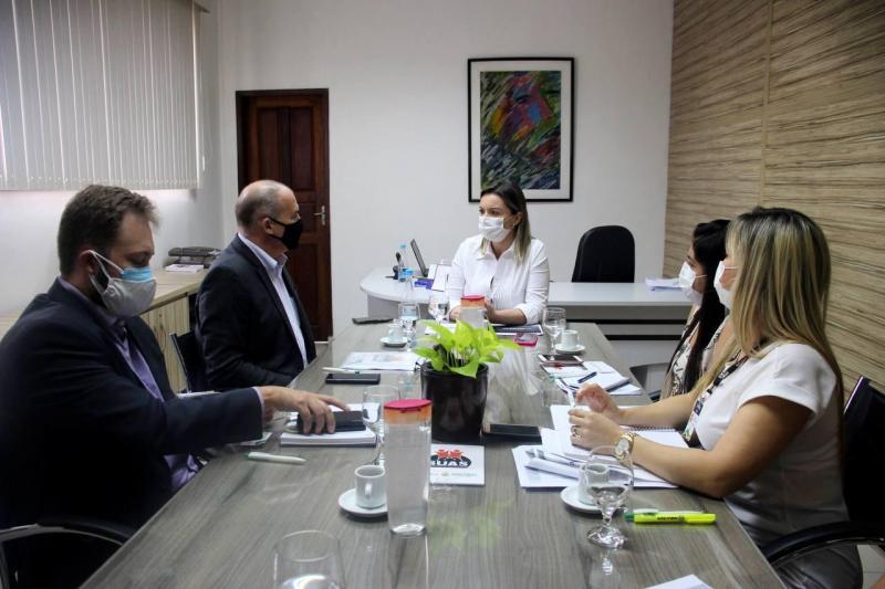 Governo do Amazonas recebe apoio federal para reforçar assistência social nos municípios