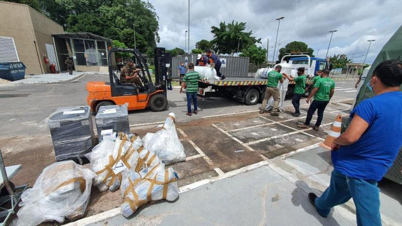 Inicia montagem de usinas de oxigênio em enfermaria de campanha no Delphina Aziz