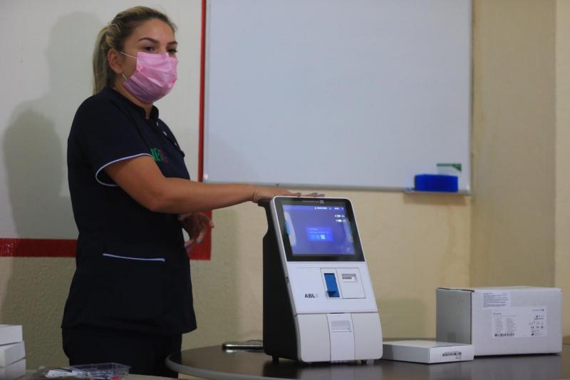 Aparelhos de gasometria começam a ser enviados para hospitais do interior do Amazonas