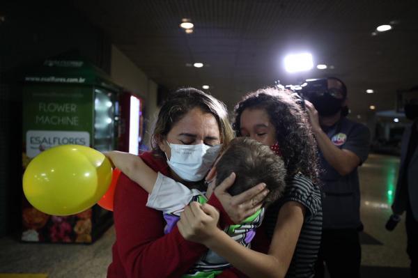 Esperança: Primeiros recuperados da Covid-19 atendidos em outros estados chegam a Manaus