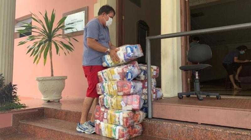 Secretaria de Cultura e Economia Criativa articula entrega de cestas básicas a artistas e produtores da cadeia produtiva