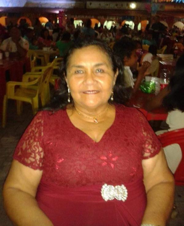 O céu ganhou a professora Valda Barros , siga a Luz mestra