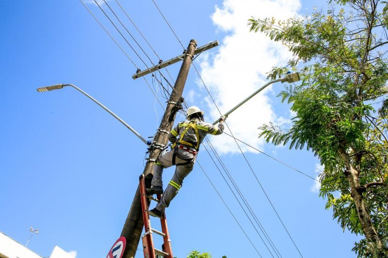 Prefeitura conclui 60% do programa 'Ilumina Manaus' em apenas dois meses