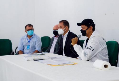 Prefeito Bi Garcia cobra agilidade de empresas responsáveis pelas obras dos convênios Federal e Estadual em  Parintins