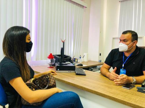 Vereadora Brena Dianná reúne com o Secretário de Educação Azamor Pessoa