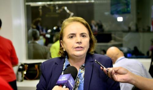 Pandemia pode comprometer a aprendizagem de crianças e jovens, diz Therezinha Ruiz