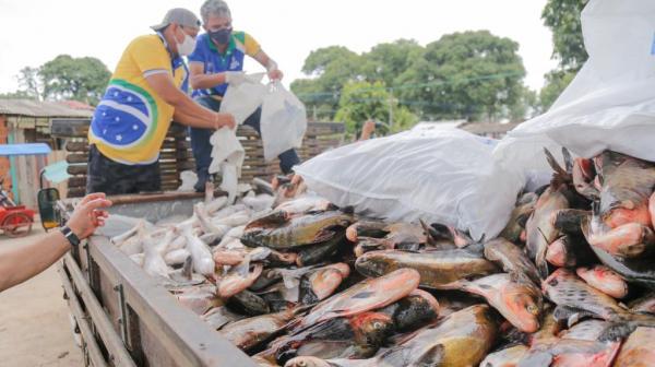 Prefeitura de Parintins distribui 10 toneladas de pescado na sexta-feira Santa