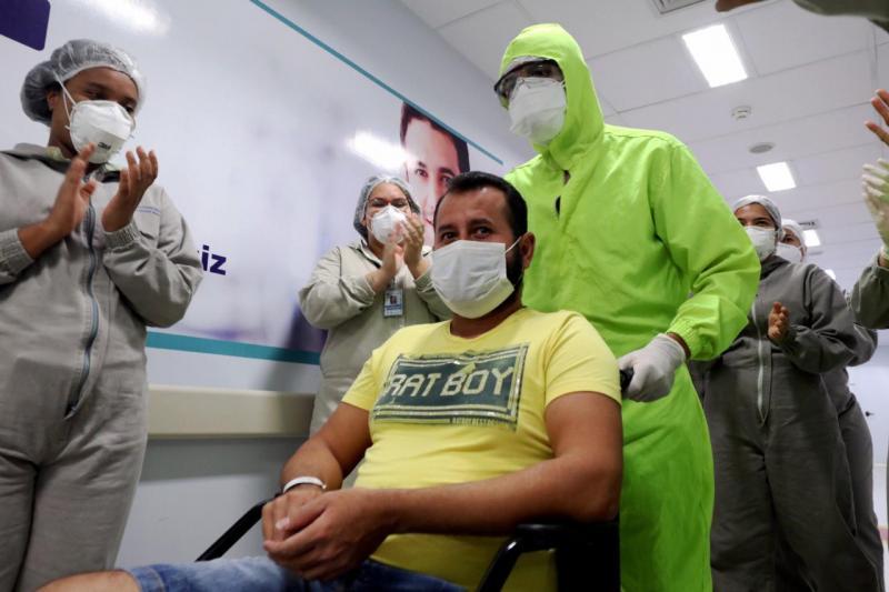 Cinco pacientes transferidos por meio da 'Operação Gratidão' recebem alta nesta segunda-feira