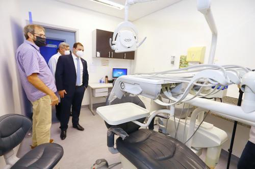 Em visita ao Centro Médico da Aleam, Presidente Roberto Cidade, promete investir no setor
