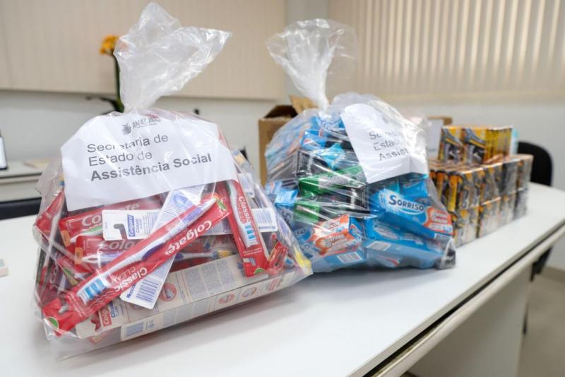 Seas doa 100 kits de higiene para abrigo emergencial da Sejusc