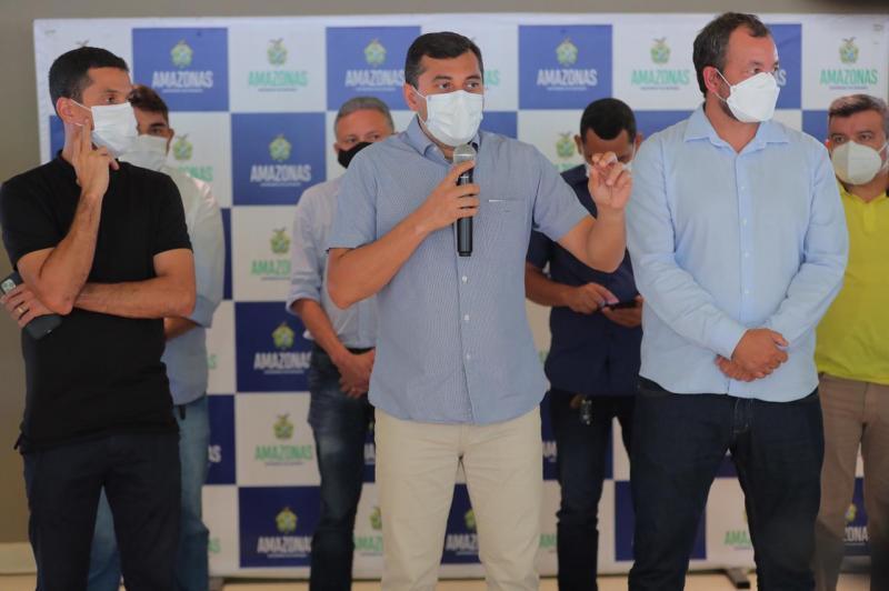 Governador Wilson Lima entrega motocicletas e embarcações para reforçar ações de combate à malária no interior