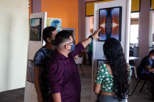 Exposição fotográfica Águas Amazônicas vai até 28 de Abril no Mercado Leopoldo Neves de Parintins