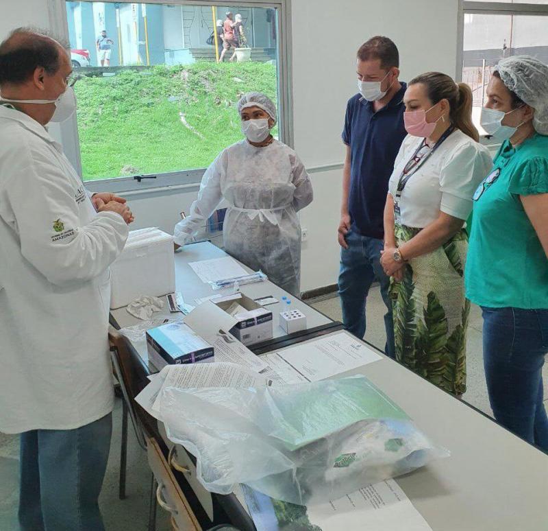 Profissionais da Policlínica Codajás recebem treinamento para aplicação do teste RT-PCR