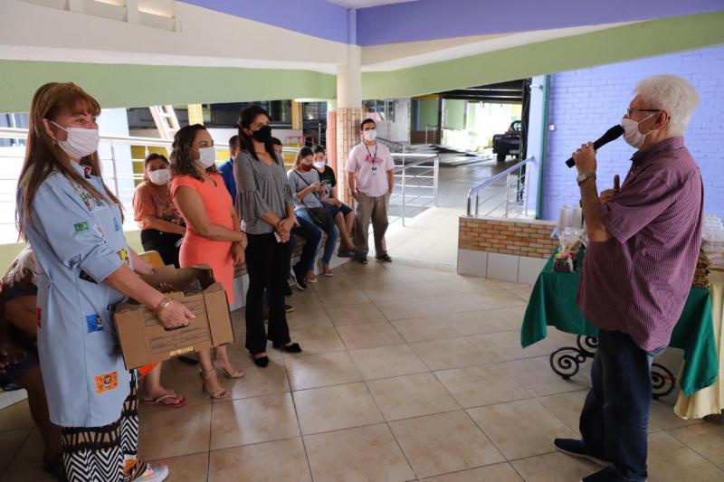 Governo do Amazonas doa alimentos prontos para o Abrigo Moacyr Alves por meio da Seas