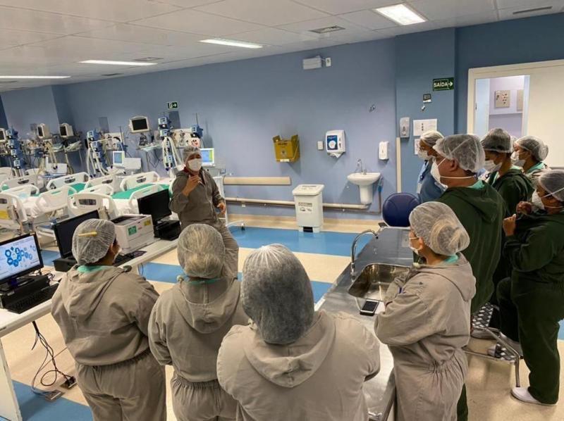 Profissionais do Hospital Delphina Aziz recebem treinamento sobre descarte correto de resíduos sólidos