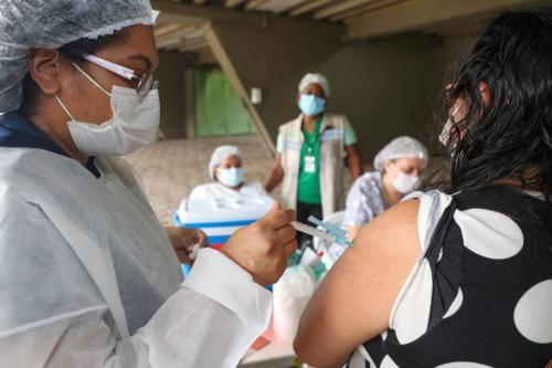 Amazonas já aplicou 894.851 doses de vacina contra Covid-19 até este domingo (02/05)