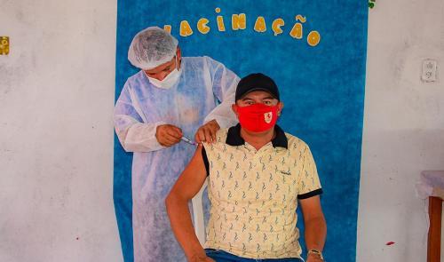 Nhamundá começa vacinação contra a Covid-19 em pessoas de 18 à 49 anos com comorbidades