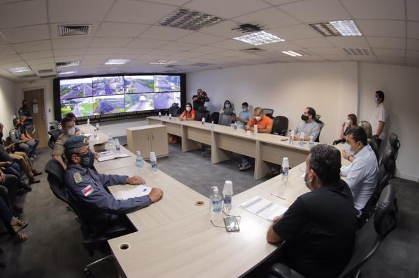 Wilson Lima determina reforço no policiamento e forças de segurança prendem 14 pessoas por incêndios criminosos