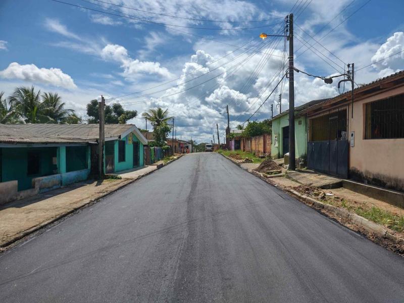 Governo do Amazonas intensifica obra no sistema viário de Rio Preto da Eva