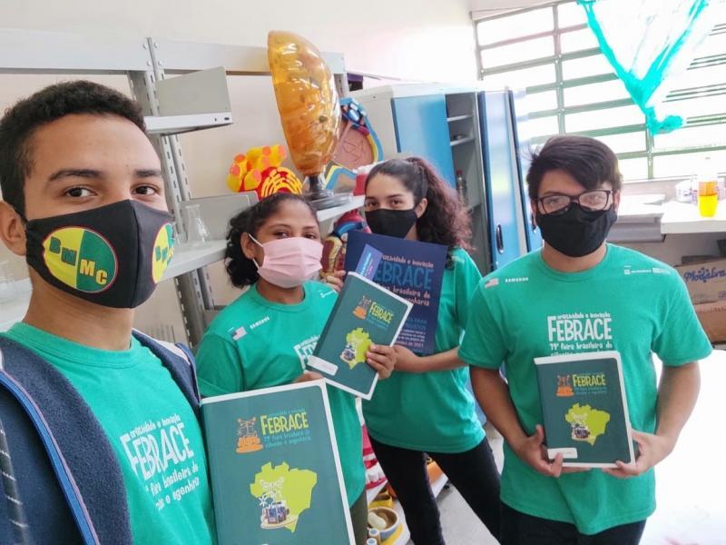 Com apoio do Governo do Amazonas, estudantes de Codajás recebem Prêmio Abric de Incentivo à Ciência