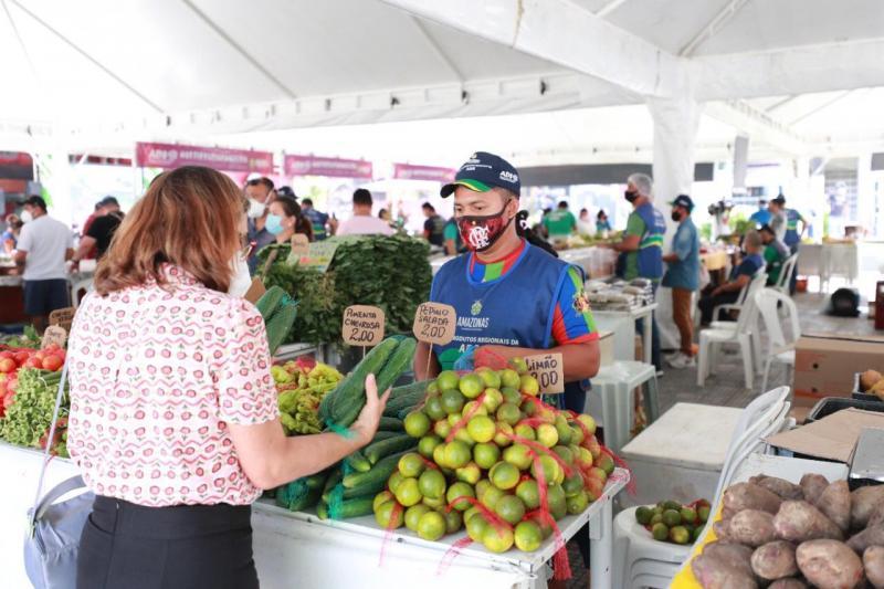 Governo do Estado gera renda para mais de 1.500 trabalhadores que atuam nas feiras da ADS
