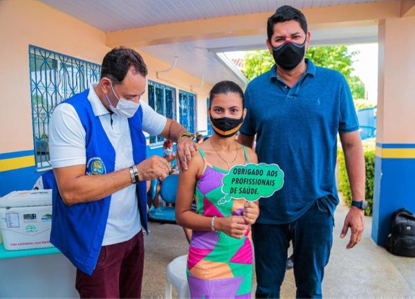 Prefeito Bi Garcia parabeniza jovens pela adesão na vacina contra a Covid-19