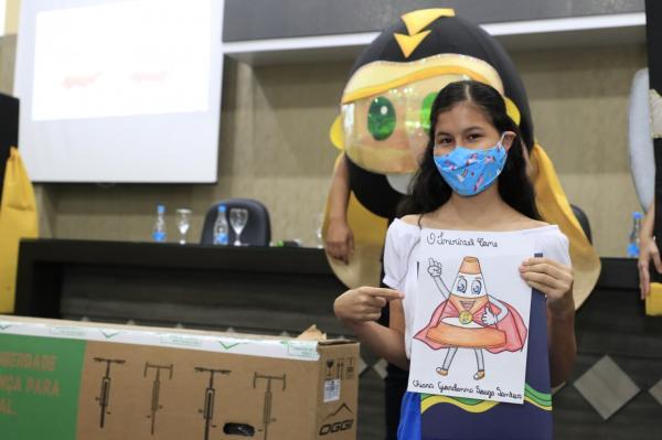 Parintinense de 14 anos ganha concurso cultural do Detran Amazonas