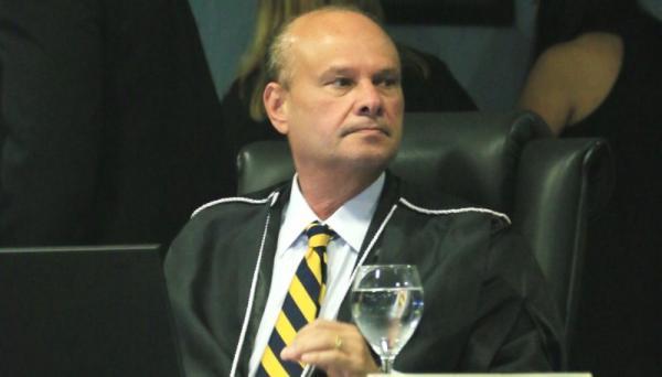 Prefeito de Boa Vista do Ramos 'Eraldo CB' é notificado pelo TCE/AM por possíveis irregularidades em nomeações