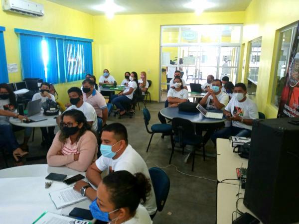 Capacitação técnico-pedagógica para profissionais de educação encerrou nesta quinta-feira em Parintins
