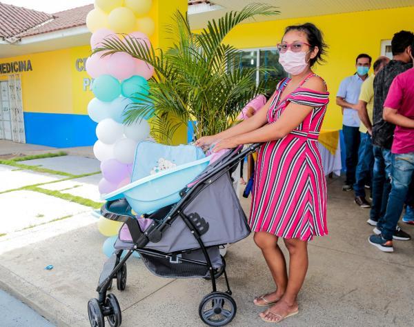 Por meio do Programa de Atenção às Grávidas, Prefeitura de Parintins entrega 140 kits bebê