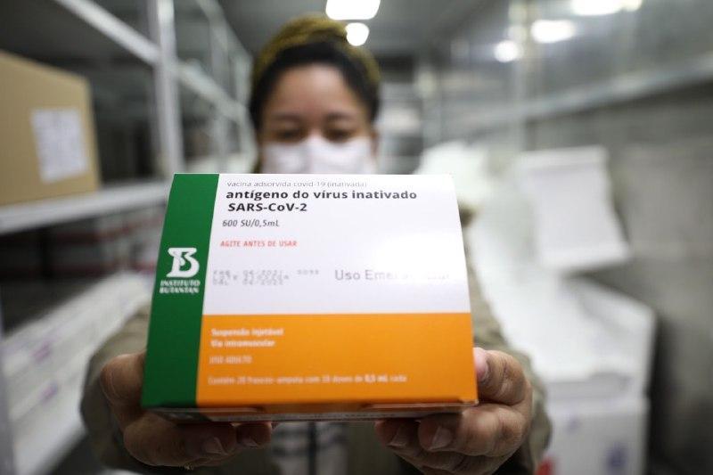 Com chegada de vacinas, Wilson Lima anuncia 3° mutirão em Manaus para população com 18 anos ou mais