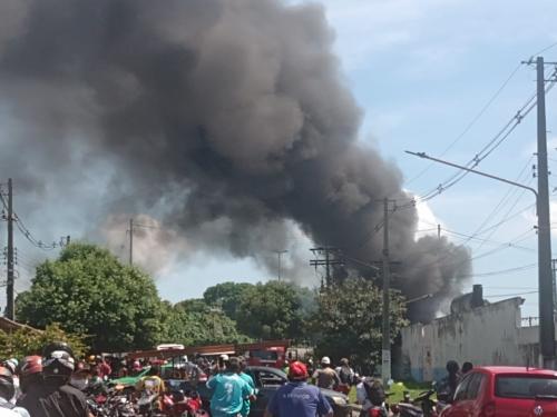 Fogo de novo no Parque da Amazonas Energia de Parintins VEJA