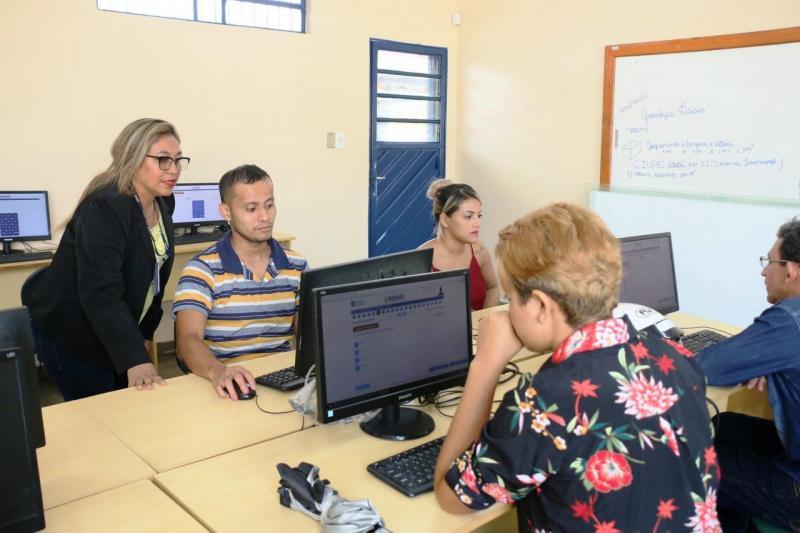 Secretaria de Educação abre período de matrículas para novos alunos da EJA