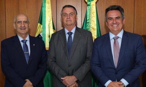 'Devo disputar, não posso garantir', diz Bolsonaro sobre a reeleição