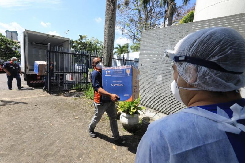 Governo do Amazonas recebe mais 73.010 doses de vacinas contra a Covid-19