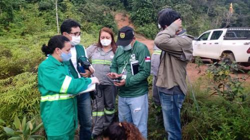 Órgãos ambientais fiscalizam barragens de mineração na Vila de Pitinga