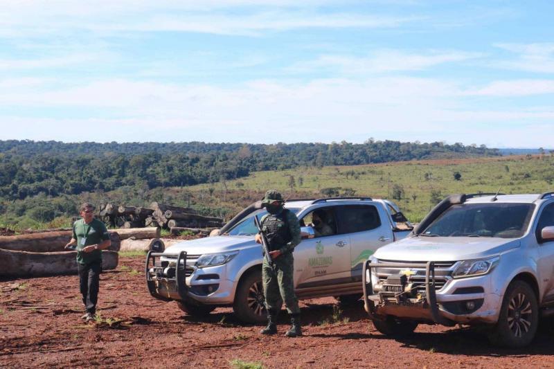 Operação Tamoiotatá embargou o equivalente a 8 mil campos de futebol em terra de desmatamento ilegal no Amazonas