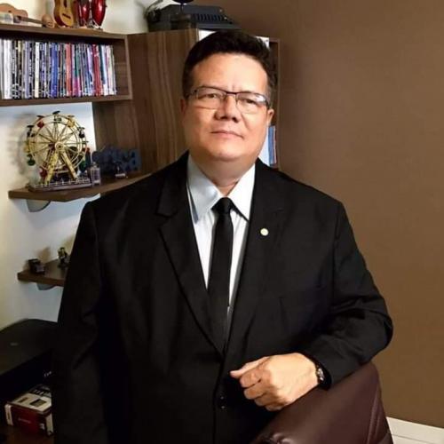 Israel Paulain faz homenagem ao advogado Roberto Vinholte que morreu aos 54 anos