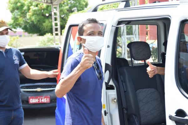 José Marecildo operado na jornada oftalmológica volta a enxergar após cinco anos em Parintins
