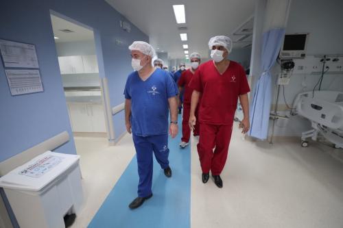 Wilson Lima apresenta ao ministro da Saúde unidade de referência para o tratamento da Covid-19 em Manaus
