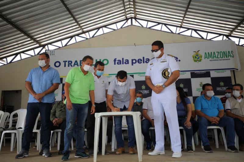 Wilson Lima sanciona lei que regulamenta o transporte hidroviário de passageiros e cargas no Amazonas