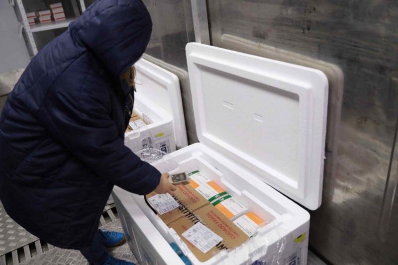 Governo do Amazonas recebe 108 mil doses de vacina contra a Covid-19