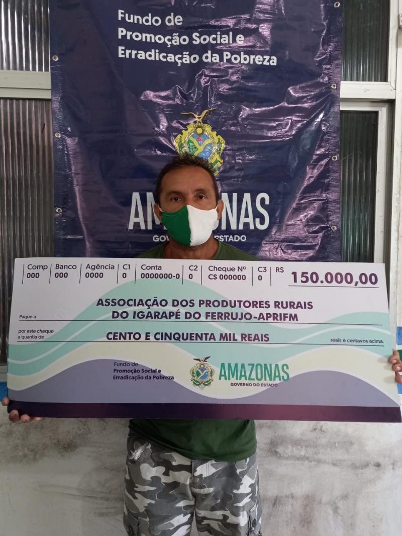Governo do Estado entrega R$ 300 mil em cheques-pagamento a associações do setor primário em Maraã